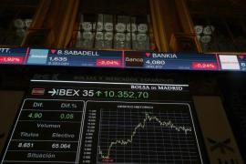 El IBEX cae el 1,45 % tras la declaración de independencia en Cataluña