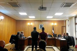 Diez años y medio de cárcel por dar una paliza a un vigilante de La Rambla