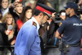 Trapero acata su cese y pide a los mossos en una carta que sean leales a sus nuevos mandos