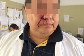 Un paciente propina varios puñetazos a un médico del centro de salud de Muro
