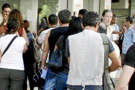 Uno de cada tres desocupados de larga duración en Balears tiene más de 45 años