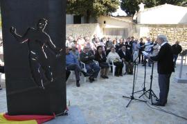 Porreres recuerda a las víctimas del franquismo y dignifica el 'racó de la memòria'