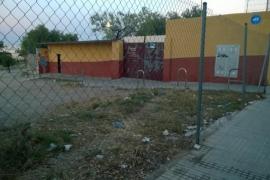 Basurero frente al Campo de Fútbol Miquel Nadal