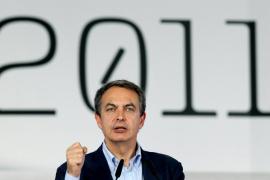 Zapatero pide a Aznar que cuando esté fuera «hable  bien de España» y respete las decisiones del Parlamento