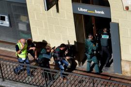 Un atracador se suicida tras un robo con rehenes y un agente herido en Cangas de Onís