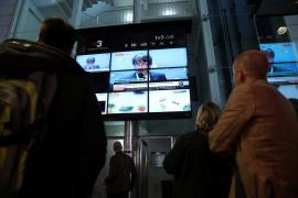 Puigdemont no responde a preguntas de medios nacionales en Bruselas