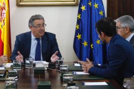 Interior recuerda a Puigdemont que en España «no se persigue a nadie por ideas o creencias»