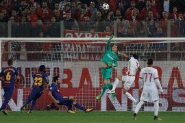 El Barça se muestra ineficaz ante un defensivo Olympiacos