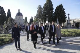 Noguera visita el cementerio de Palma con motivo de Tots Sants