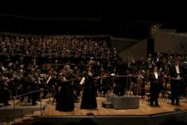 Los 'cantaires' baleares arrancan diez minutos de aplausos al público de Berlín