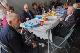 Sant Carles homenajea a sus vecinos de 80 años