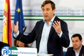 Hernando pide a Puigdemont que «deje de hacer el botarate» y vuelva a España