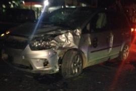 Fallece un motorista de 25 años y otro queda crítico tras sufrir un accidente contra un coche