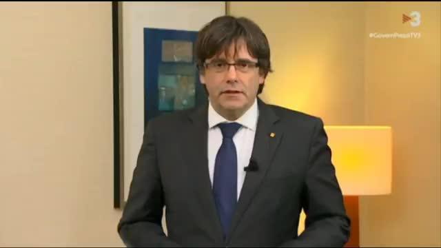 Puigdemont exige la «liberación» de sus consellers y dice que «es un golpe contra las elecciones del 21-D»