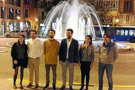La fuente de la plaza de la Reina de Palma estrena nueva iluminación