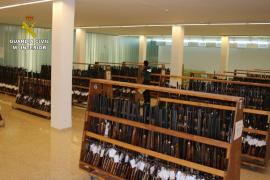 La Guardia Civil prepara la mayor subasta de armas de fuego hecha en Baleares