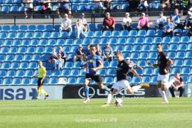 El Atlético Baleares cae en el descuento en el Rico Pérez