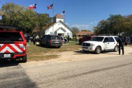 Al menos 26 muertos en un tiroteo en una iglesia de Texas