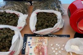 La Policía Nacional desarticula un punto de venta de cocaína y marihuana en Ariany