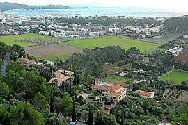 Admitidas dos demandas por el bloqueo municipal del Vilà