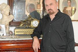 Fallece en Palma el diseñador de alta costura y dibujante Marcelo Scarxell