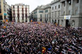 Cerca de 8.000 personas exigen en Barcelona la libertad de los «presos políticos»