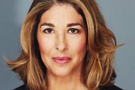 La periodista Naomi Klein acusa al Gobierno de activar un «ataque flagrante a la democracia»