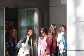 El juez deja libre a Ignacio González tras pagar su fianza de 400.000 euros