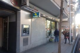 Fuerzan un cajero automático en la avenida Argentina, de Palma, y se llevan 2.500 euros