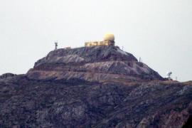 Primeros copos de nieve de la temporada en el Puig Major