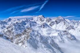 Rescatan a un alpinista tras cinco días atrapado en una grieta glacial en Austria