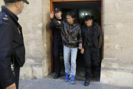 Prisión para el hombre acusado de violar dos veces a su hijastra y dejarla embarazada