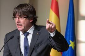 Puigdemont critica que Forcadell ingrese en la cárcel: «Así es la democracia española»
