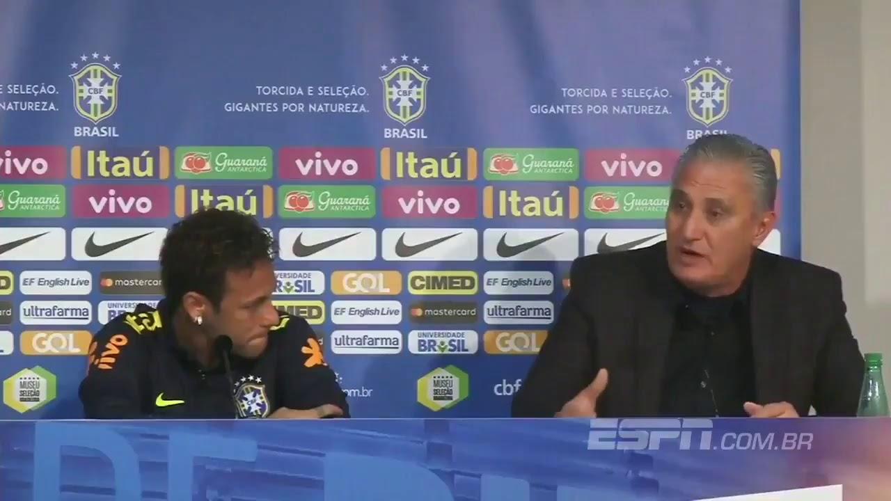 Neymar rompe a llorar durante una rueda prensa con el seleccionador de Brasil