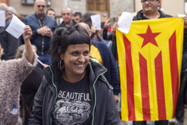 Los miembros de la Cup, Anna Gabriel y Benet Salellas, visitan a Puigdemont en Bruselas para trasladarle su apoyo