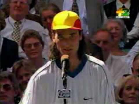 «Hasta luego Lucas», el homenaje de Carlos Moyà a Chiquito de la Calzada