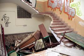 El antiguo colegio público Son Espanyolet, en ruinas por destrozos y actos vandálicos