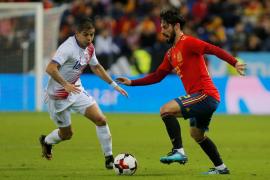 La selección española enamora al ritmo de Isco