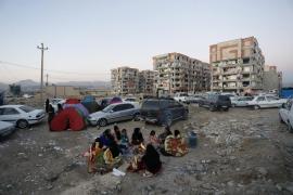 Un terremoto de 7,3 grados deja al menos 328 muertos y más de 4.000 heridos en Irán