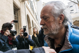 Bartolomé Cursach llega a la cárcel de Palma