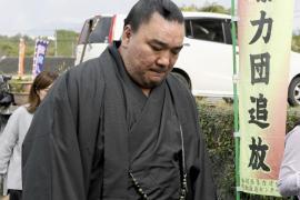 Harumafuji, la estrella del sumo que escandaliza a Japón por un botellazo a otro luchador
