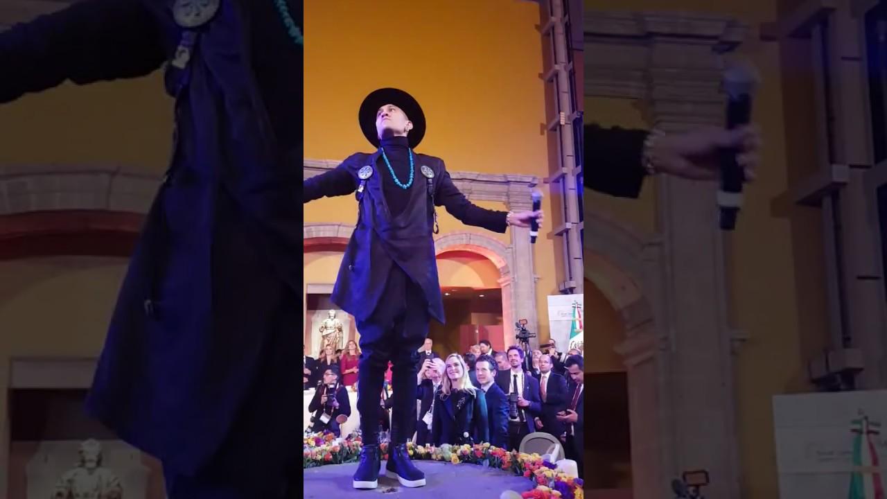 La Reina Letizia se marca un baile con el cantante de The Black Eyed Peas