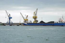Autoritat Portuària autoriza una gran planta de cemento en el puerto de Alcúdia
