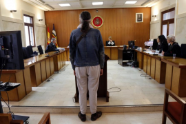 Acepta dos años de cárcel por abusar de la hija menor de su pareja en Palma