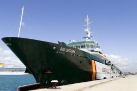 El mayor buque de la Guardia Civil atraca en Palma