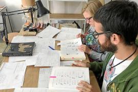 Una beca permite a dos alumnos conocer el patrimonio arqueológico de Ibiza