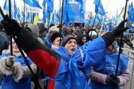 Víktor Yanukóvich promete reunificar Ucrania tras su ajustada victoria electoral