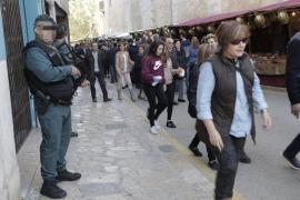 Miles de personas arropan a un Dijous Bo marcado por el refuerzo de la seguridad