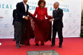 Sophia Loren luce estrella en el Paseo de la Fama de Almería