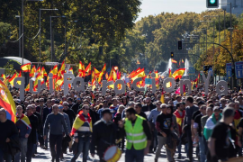 Decenas de miles de policías y guardiaciviles claman en Madrid por la igualdad salarial